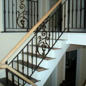 Кованые перила для лестниц и ограждения