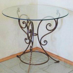 столик со стеклом кованый